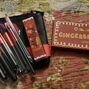 Too Faced and Makeup Brushes Bundle
